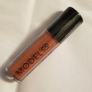 5/25 bundle.  ModelCo Matte Lip Crème